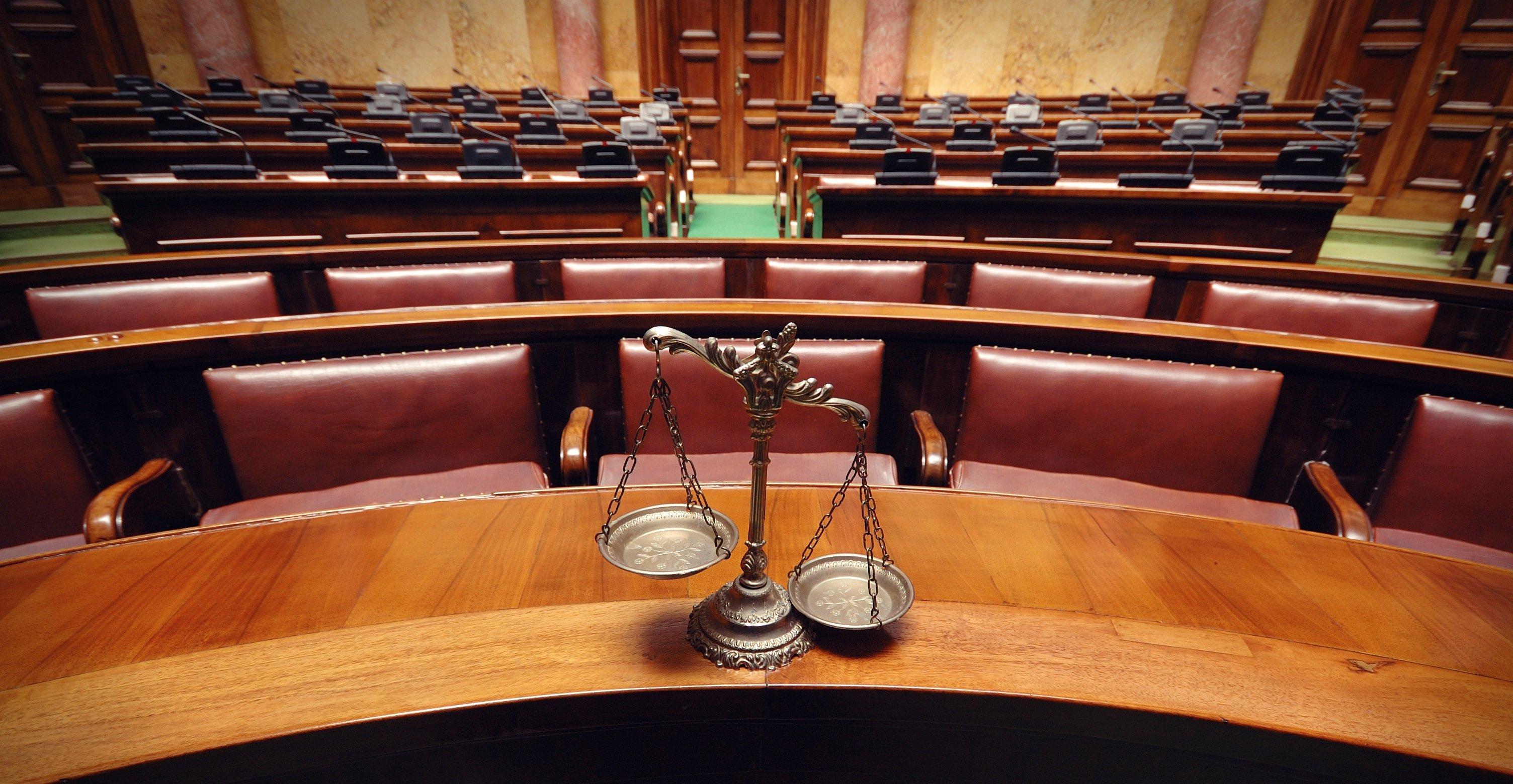 A instituição do júri: críticas e defesas