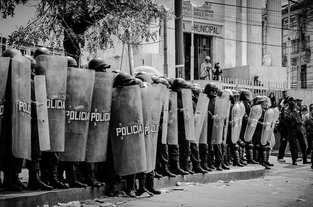"""Sobre nulidades no inquérito policial: """"pau que nasce torto, nunca se endireita"""""""