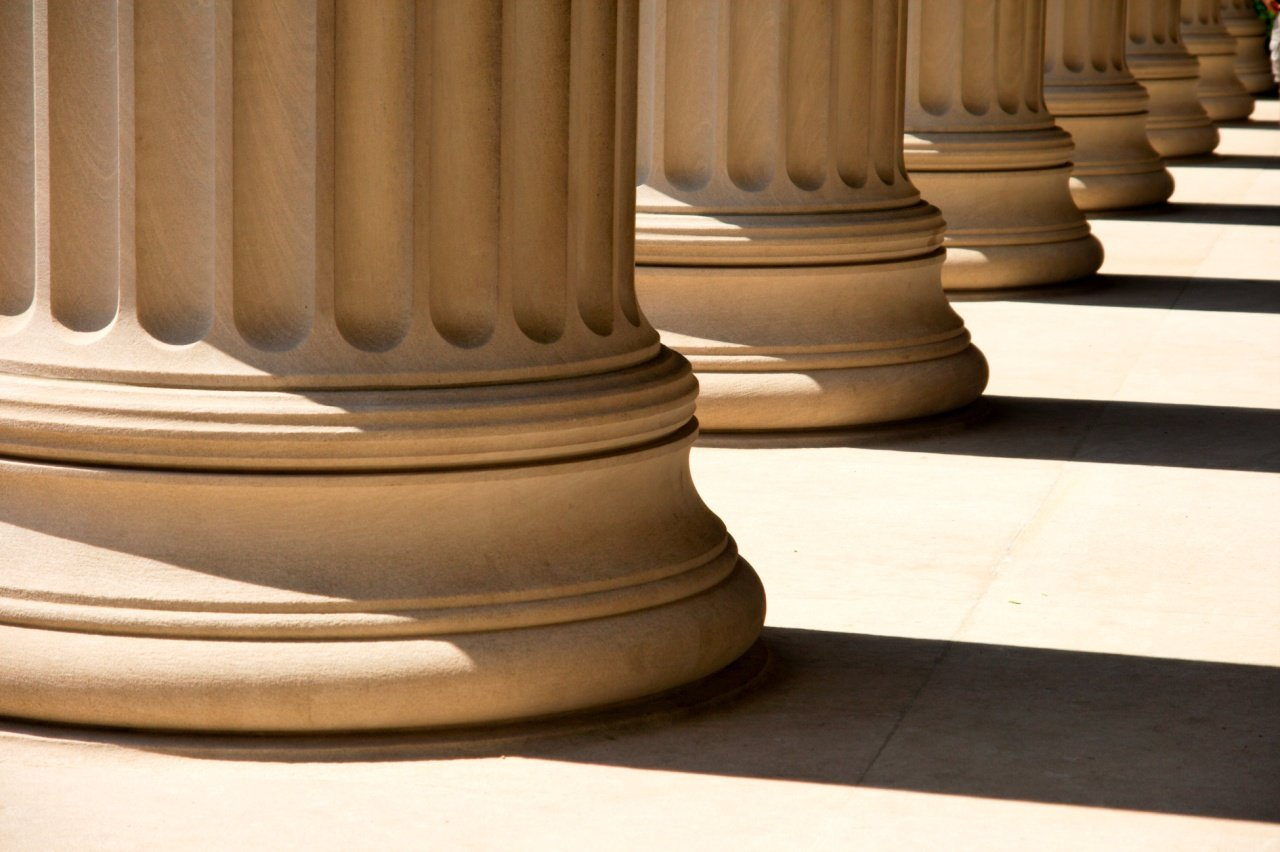 Novos meios de/para reflexão do Direito