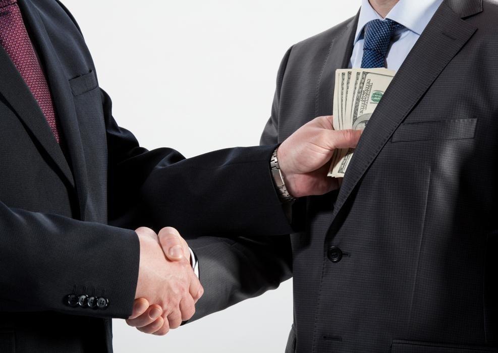 Qual é a diferença entre descaminho e sonegação fiscal?