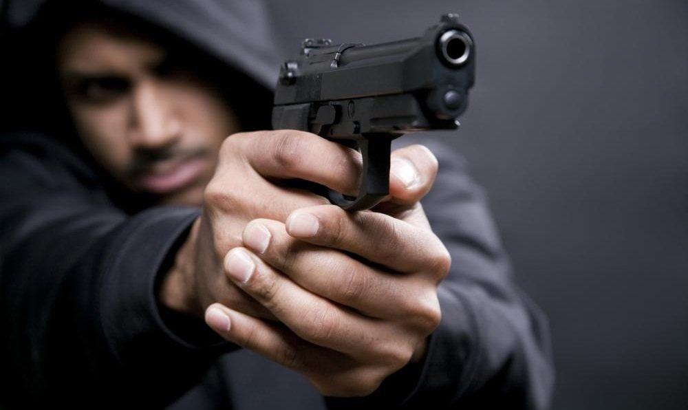 Casos práticos de uma Delegacia de Polícia: porte de arma de fogo xlegítima defesa