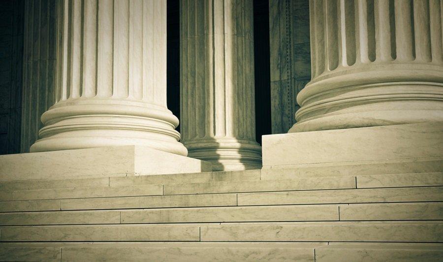 Formação jurídica e redemocratização