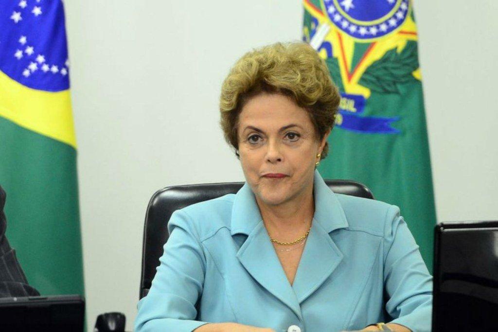 Dilma sanciona lei que amplia o acesso dos advogados a investigações