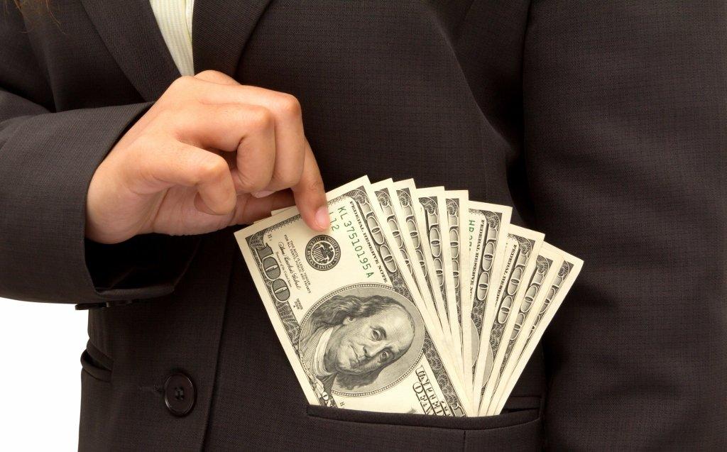 Entenda a diferença entre estelionato e furto mediante fraude