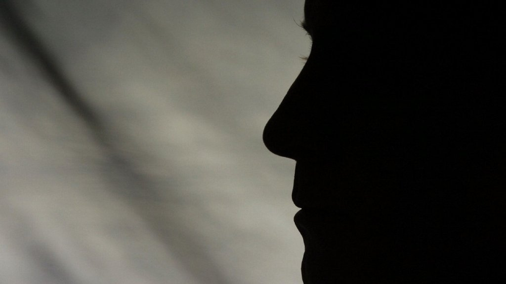 O depoimento de testemunha anônima é válido no processo penal?