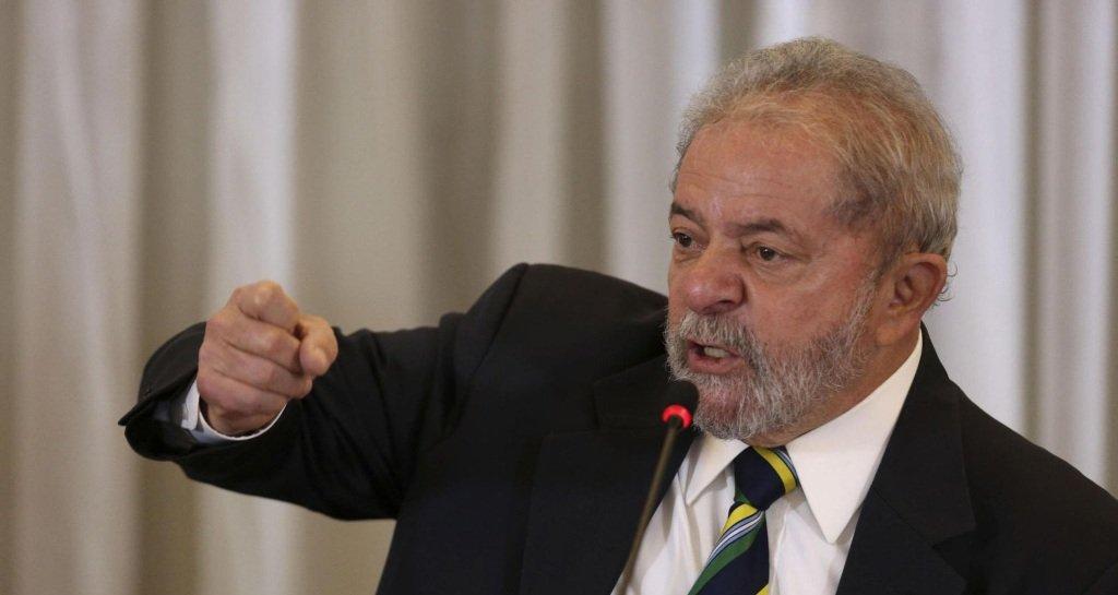 As investigações de Lula devem permanecer no STF?