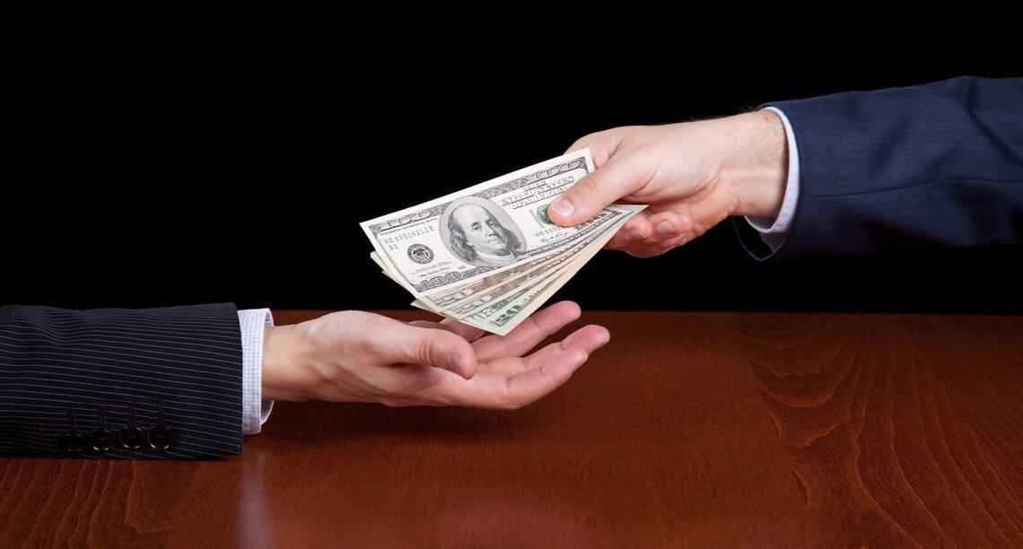 Recebimento de honorários maculados e lavagem de capitais