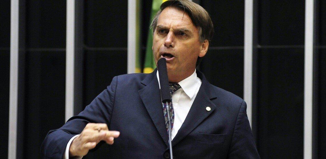 E se você fosse o advogado do Bolsonaro, qual estratégia de defesa adotaria?