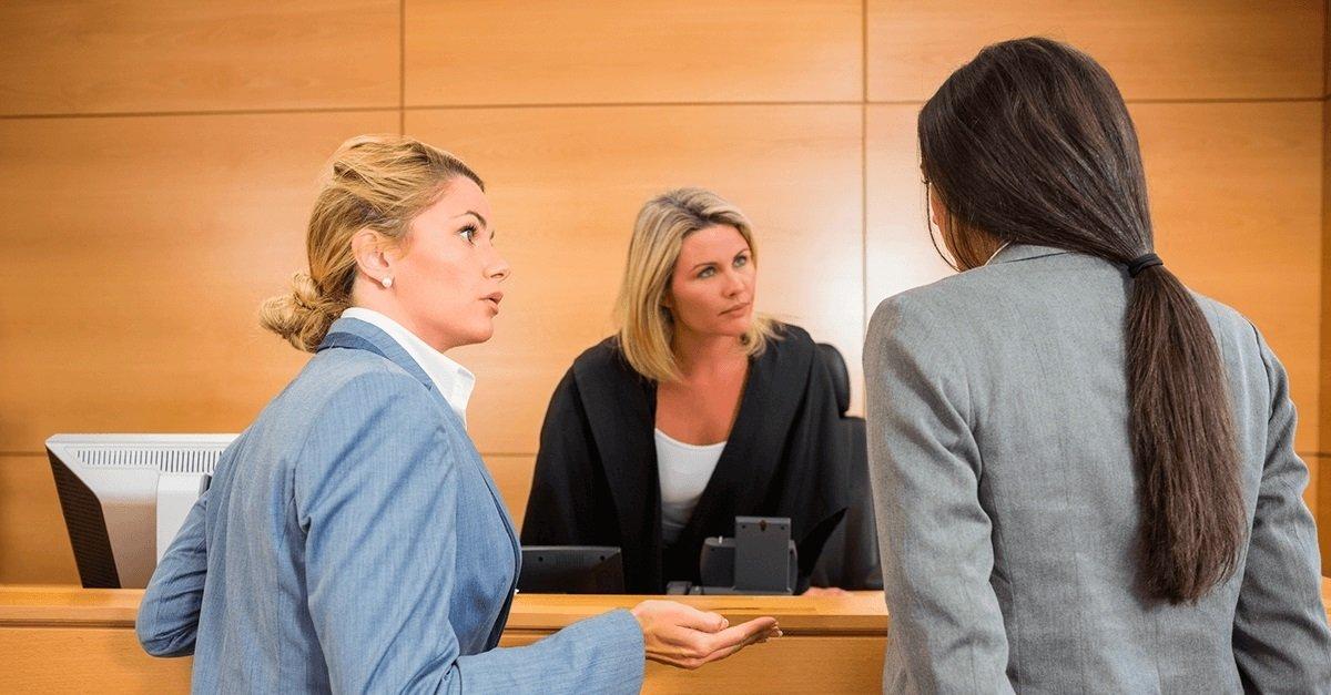 Relação dos advogados com os magistrados