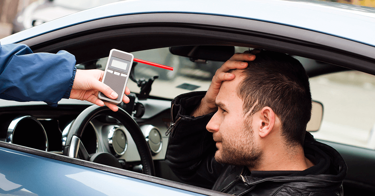 Motorista não pode ser multado por se recusar a fazer o bafômetro