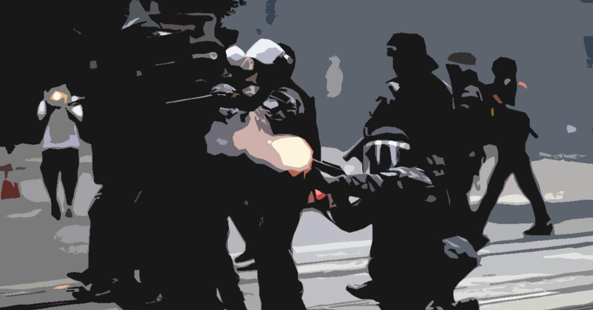 Resistência x tentativa de homicídio contra policiais