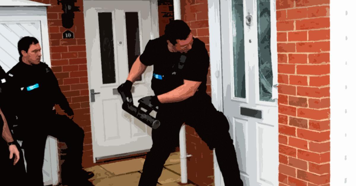 Crimes permanentes e ingresso na residência pela autoridade policial