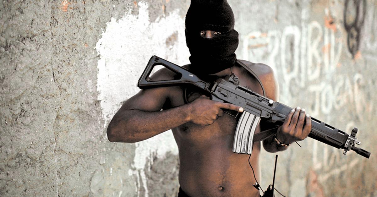 Traficantes armados com fuzis e o Direito Penal do Inimigo