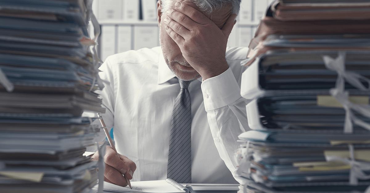 Overcharging: a prática de abusar nas acusações precisa ser freada