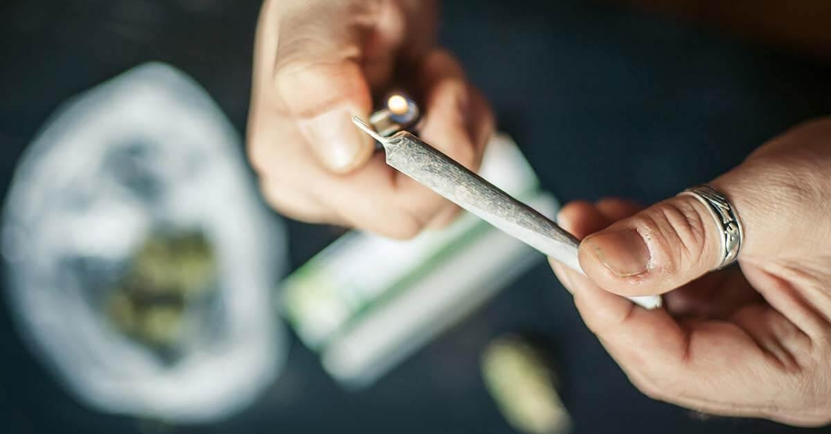 Quem ganha com a suspensão do julgamento sobre a descriminalização do uso de drogas do STF?