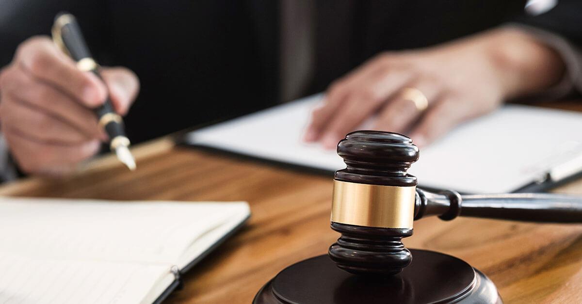 A prisão automática decretada em decorrência de sentença condenatória no Tribunal do Júri
