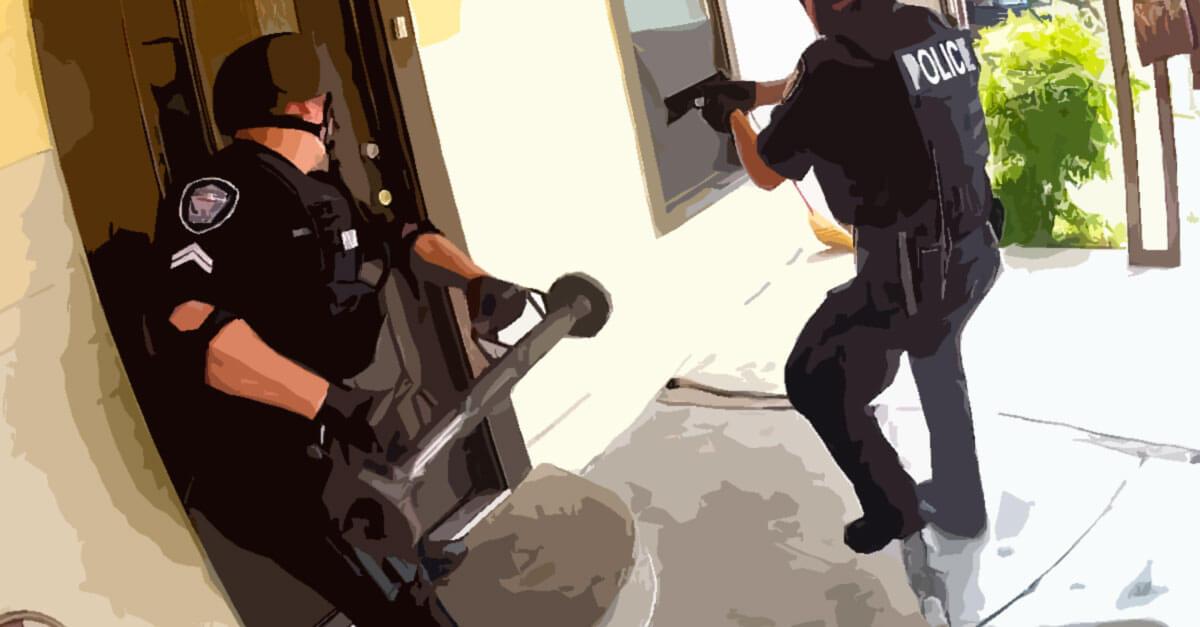 Invasão de domicílio e tráfico de drogas