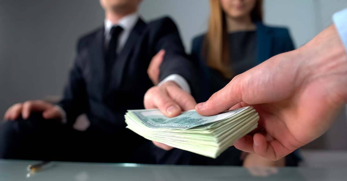 Novo projeto de lei quer obrigar advogados a provar origem lícita dos honorários