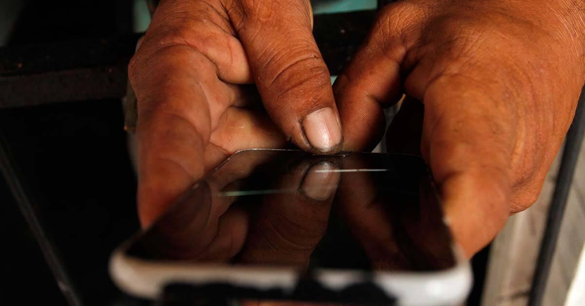 Projeto de lei criminaliza utilização de aparelho telefônico em presídios