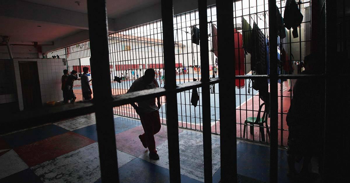 Medidas para melhorar o quadro atual das unidades prisionais brasileiras