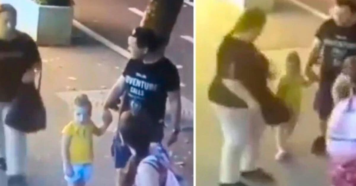 Mulher esfaqueia criança de 3 anos que passeava com os pais