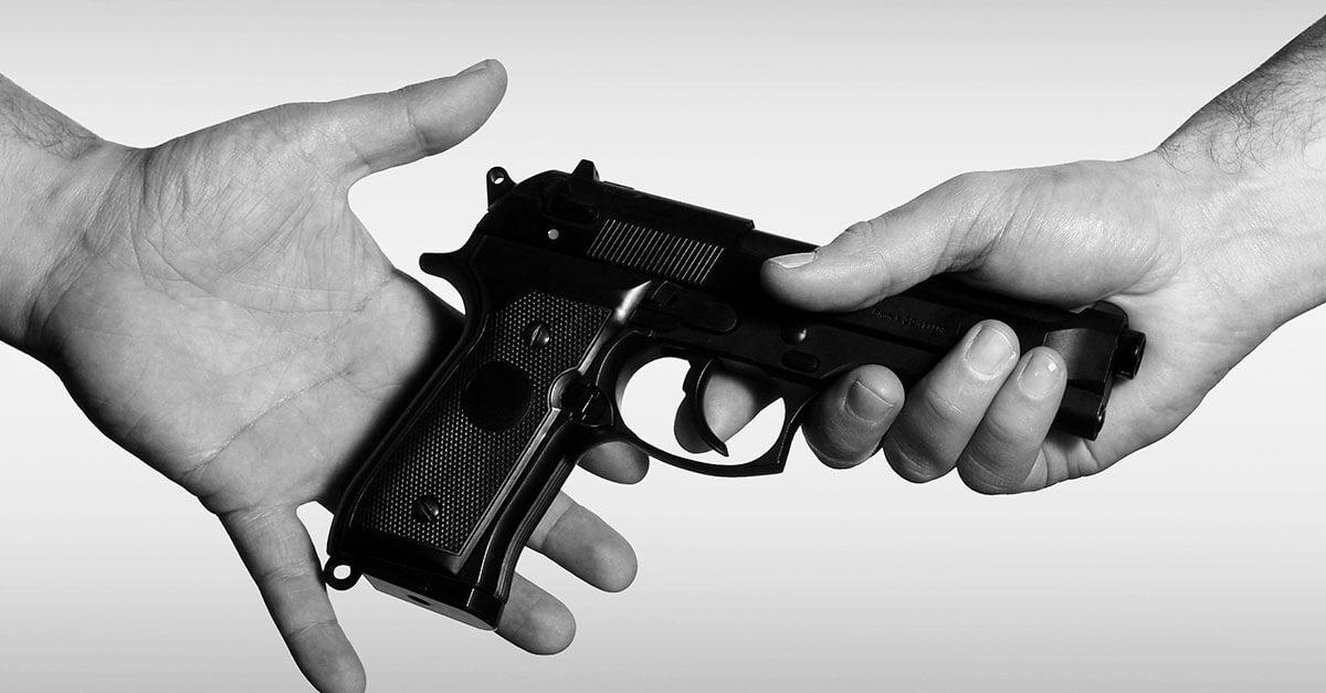 Porte de arma de fogo e princípio da consunção