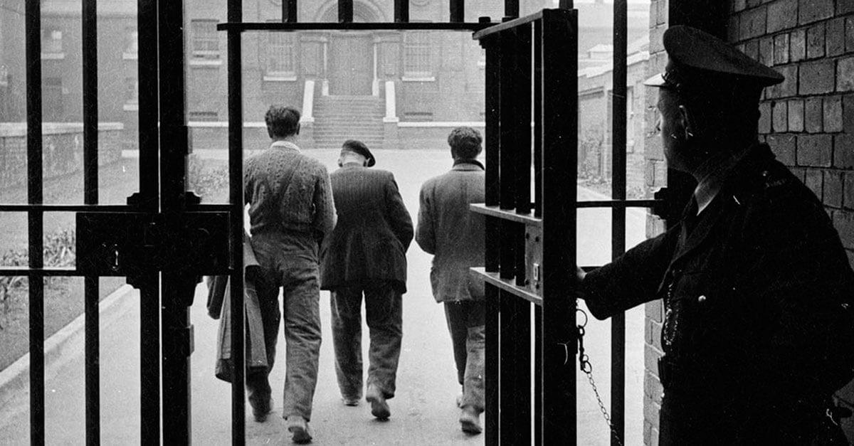 Fui absolvido num processo criminal. Posso ser indenizado pelo Estado?