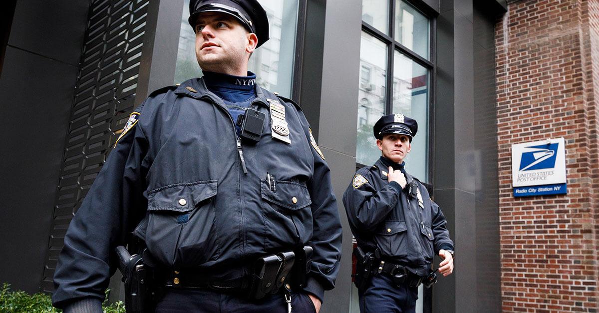 Polícia de Nova York está coletando DNA de pessoas interrogadas (e elas nem sabem disso)