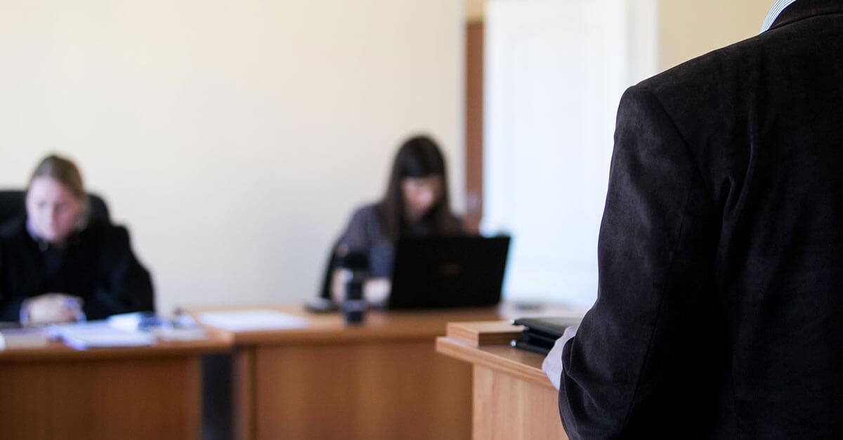 O acusado pode responder somente aos questionamentos realizados por seu defensor?