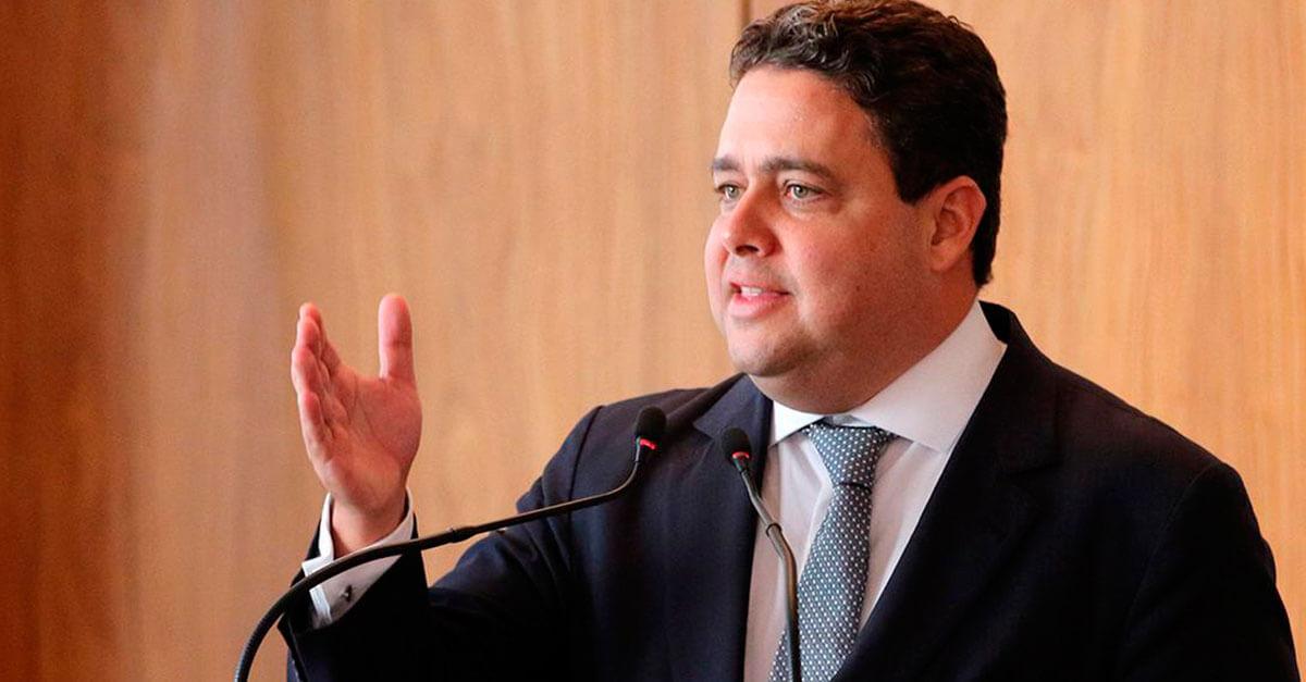 Santa Cruz diz que vai até as últimas consequências para que Bolsonaro respeite a memória de seu pai