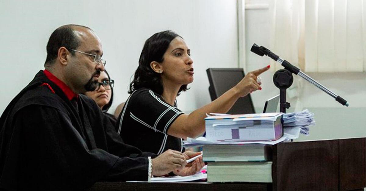 Filha de homem assassinado cursa Direito para punir autor do crime (e consegue condenação)