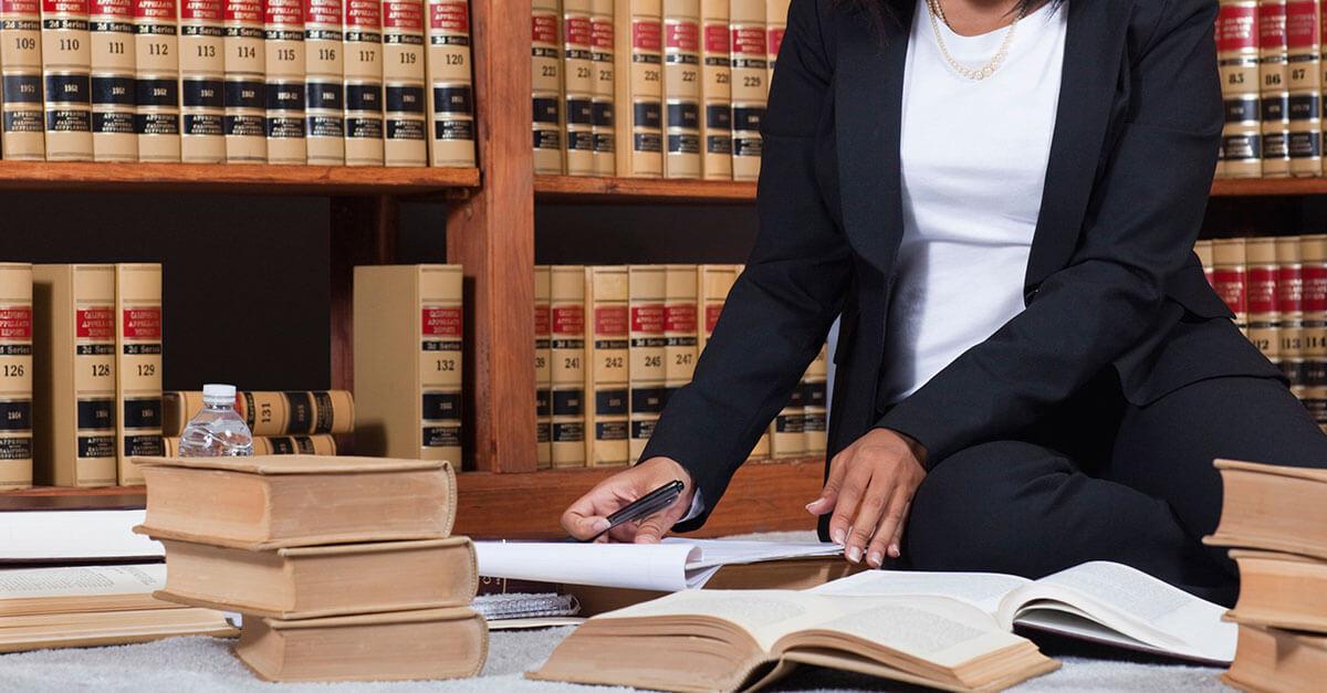 Pode a defesa ter acesso aos documentos que baseiam a acusação?