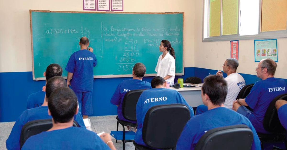 Mais da metade dos presos não completou o ensino fundamental