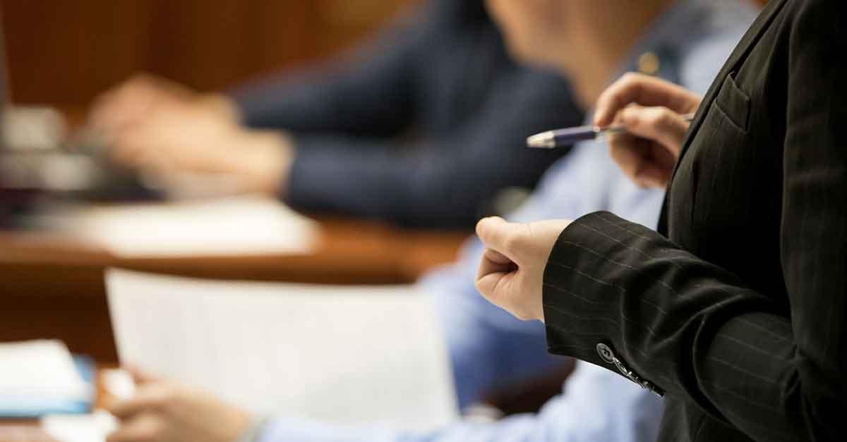 STJ: excesso praticado pelo advogado em juízo não pode ser atribuído ao cliente