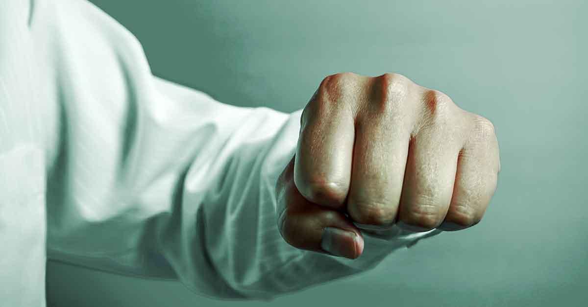 Tese defensiva: desclassificação da lesão corporal leve para vias de fato