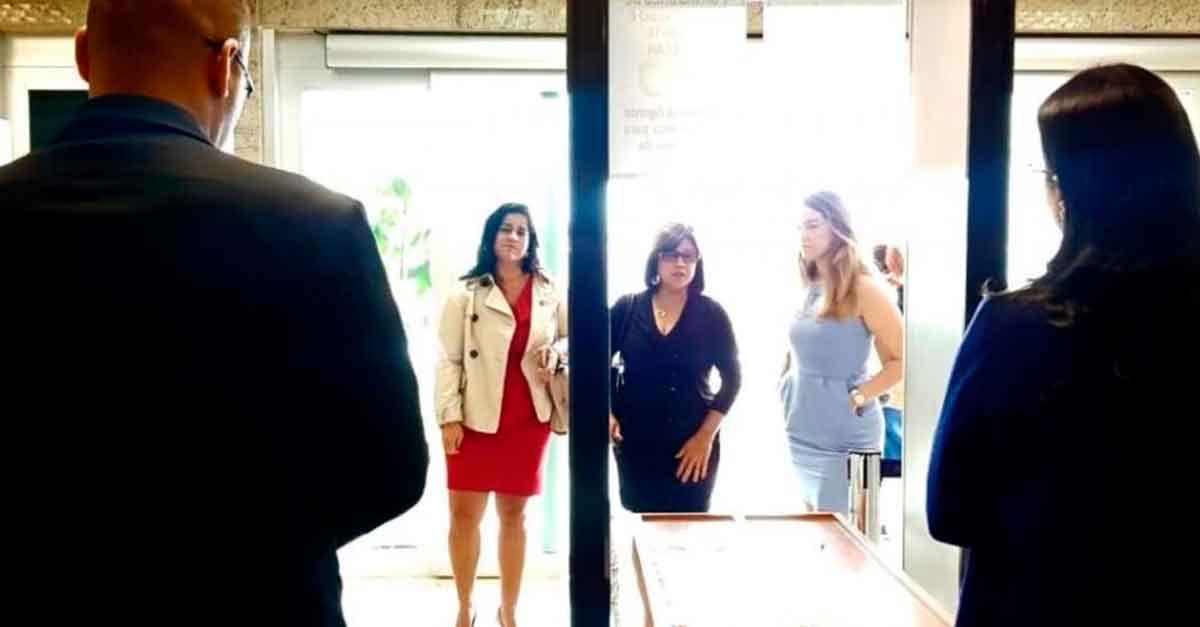 """Em Iguaba Grande (RJ), advogadas que vestem saias """"curtas"""" não entram no fórum"""