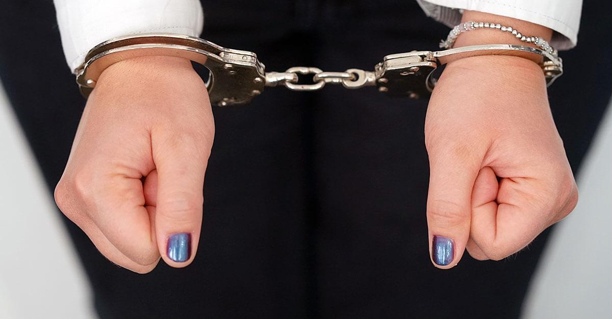TJ/DF: advogada que cumpre regime aberto não pode entrar em presídios