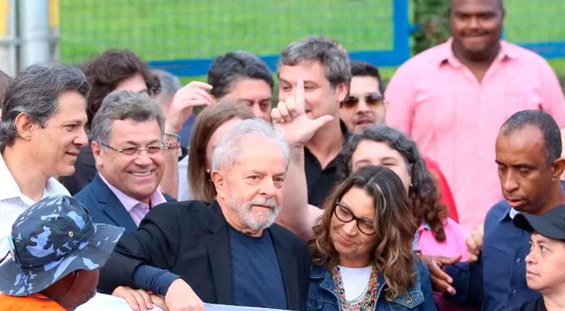 Lula deixa a prisão