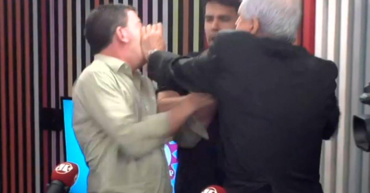 """Chamado de """"covarde"""", Augusto Nunes agride Glenn Greenwald em programa de rádio"""