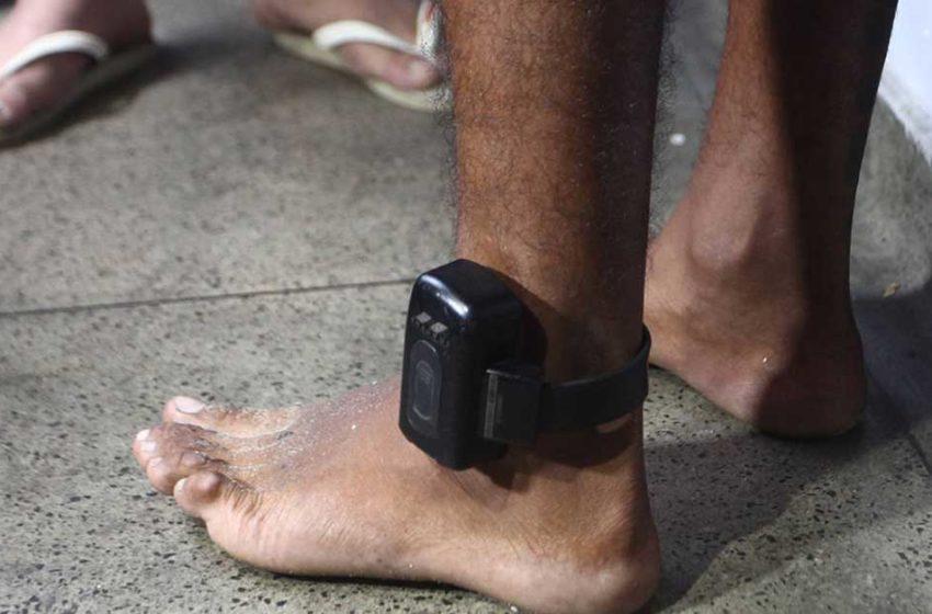 """Do """"senso humanitário"""" à indisponibilidade de tornozeleiras"""