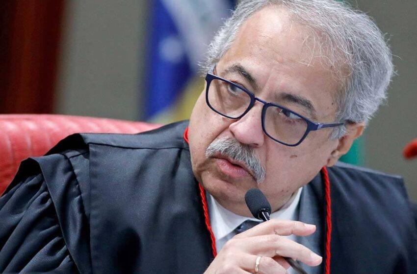 STJ: pedido de desmembramento do feito em relação aos denunciados sem foro por prerrogativa de função deve ser rejeitado