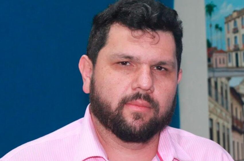 Alexandre de Moraes decreta prisão de blogueiro